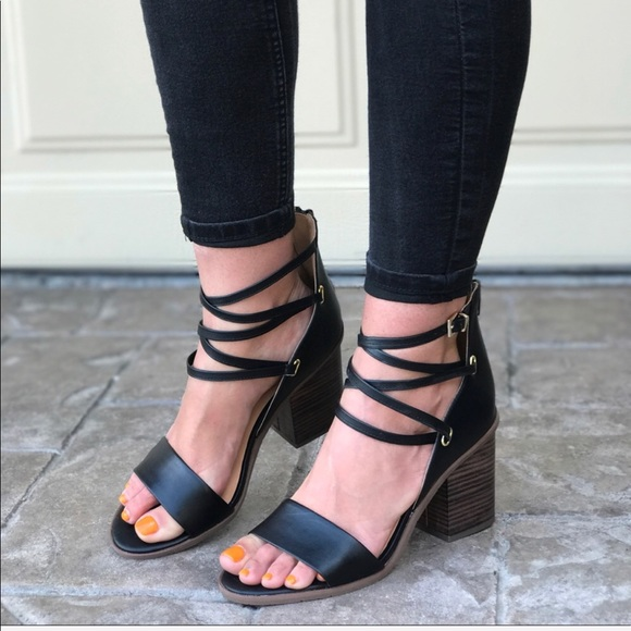 Black Strappy Toe Post Heeled Sandals | Missguided